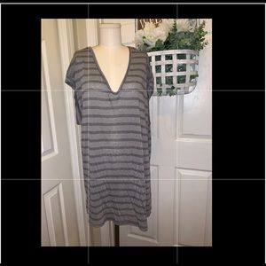Tahari XL Grey Striped Short Sleeve Shirt